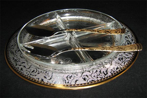 """Хрустальная менажница на металлическом подносе с ложкой и вилкой """"Dubai Oro"""" (золото)"""